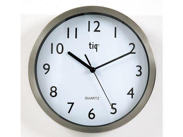 Väggklocka Tiq Borstad Aluminium, glaslins, Ø 25cm